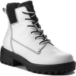 Trapery TAMARIS - 1-25214-21 White/Black 125. Śniegowce i trapery damskie marki DKNY. W wyprzedaży za 269.00 zł.