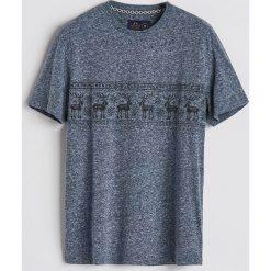T-shirt z motywem zimowym - Granatowy. Niebieskie t-shirty męskie Reserved. Za 39.99 zł.