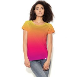 Colour Pleasure Koszulka CP-034  71 pomarańczowo-różowa r. XS/S. Bluzki damskie Colour Pleasure. Za 70.35 zł.