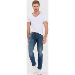 """Dżinsy """"Dylan"""" - Regular fit - w kolorze niebieskim. Niebieskie jeansy męskie Cross Jeans. W wyprzedaży za 136.95 zł."""