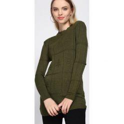 Zielony Sweter Well-Lit. Zielone swetry damskie Born2be, na jesień. Za 39.99 zł.