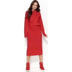 Czerwona Sukienka Kimonowa Midi z Gumką w Pasie. Czerwone sukienki damskie Molly.pl, z bawełny, klasyczne, z klasycznym kołnierzykiem. Za 104.90 zł.