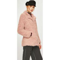 Answear - Kurtka. Różowe kurtki damskie ANSWEAR, z poliesteru. W wyprzedaży za 149.90 zł.