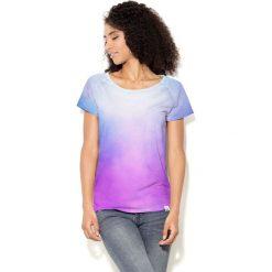 Colour Pleasure Koszulka damska CP-034  40  biało-błękitno-fioletowa r. XL-XXL. T-shirty damskie Colour Pleasure. Za 70.35 zł.