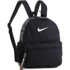 Plecak NIKE - BA5559 010. Czarne plecaki damskie Nike, z materiału, sportowe. Za 79.00 zł.
