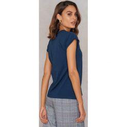 Rut&Circle Klasyczny T-shirt Ellen - Navy. Niebieskie t-shirty damskie Rut&Circle, z klasycznym kołnierzykiem. Za 80.95 zł.