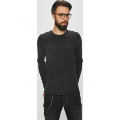 Tommy Hilfiger - T-shirt. Czarne bluzki z długim rękawem męskie Tommy Hilfiger, z bawełny, z okrągłym kołnierzem. Za 179.90 zł.