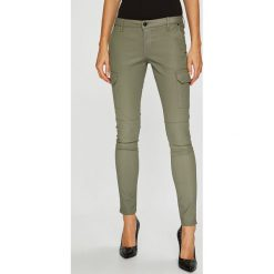 Pepe Jeans - Spodnie PL211208YB7. Szare jeansy damskie Pepe Jeans. Za 439.90 zł.