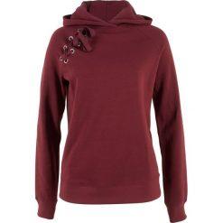 Bluza z kapturem i sznurowaniem bonprix czerwony kasztanowy. Bluzy damskie marki KALENJI. Za 49.99 zł.