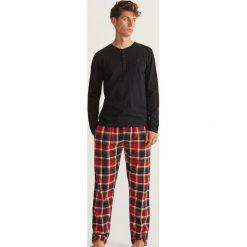 Piżama dwuczęściowa ze spodniami - Czarny. Czarne piżamy męskie Reserved. Za 129.99 zł.