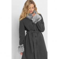 Płaszcz z futrzanymi wstawkami. Szare płaszcze damskie Orsay, w paski, z elastanu. Za 279.99 zł.