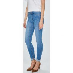 Jacqueline de Yong - Jeansy Ella. Niebieskie jeansy damskie Jacqueline de Yong. Za 119.90 zł.