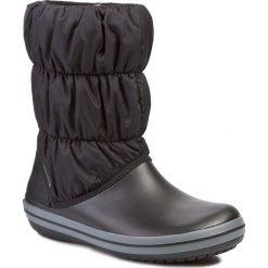 Śniegowce CROCS - Winter Puff 14614 Black/Charcoal. Czarne kozaki damskie Crocs, z materiału. W wyprzedaży za 199.00 zł.