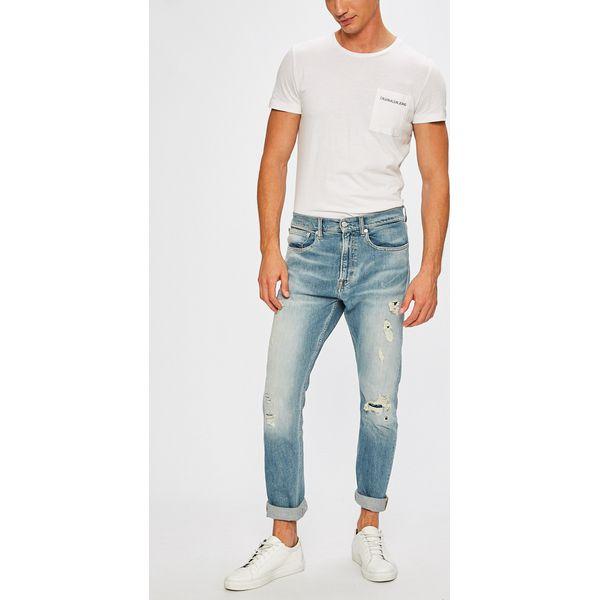 909f009c49e44 Calvin Klein Jeans - Jeansy Athletic - Jeansy męskie marki Calvin Klein  Jeans. W wyprzedaży za 499.90 zł. - Jeansy męskie - Spodnie męskie - Odzież  męska ...