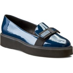 Półbuty SOLO FEMME - 28304-01-D16/000-03-00 Granat. Niebieskie półbuty damskie Solo Femme, z gumy, eleganckie. W wyprzedaży za 239.00 zł.