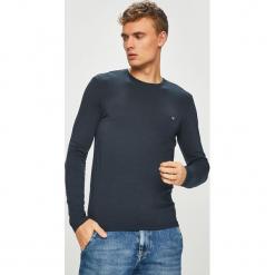 Guess Jeans - Longsleeve. Szare bluzki z długim rękawem męskie Guess Jeans, z aplikacjami, z bawełny, z okrągłym kołnierzem. Za 139.90 zł.