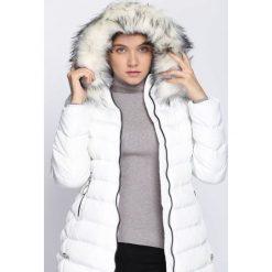Biała Kurtka So Busy. Białe kurtki damskie Born2be, na zimę. Za 229.99 zł.