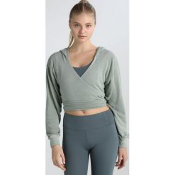 Free People HANG LOOSE WRAP Bluza rozpinana green. Bluzy sportowe damskie Free People, z bawełny. Za 349.00 zł.
