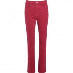"""Dżinsy """"Scottage"""" - Regular fit - w kolorze jagodowym. Czerwone jeansy damskie Scottage. W wyprzedaży za 86.95 zł."""