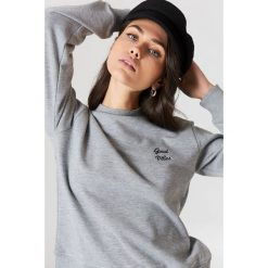 NA-KD Bluza Good Vibes - Grey. Szare bluzy damskie NA-KD, z napisami. Za 100.95 zł.