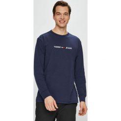 Tommy Jeans - Longsleeve. Czarne bluzki z długim rękawem męskie Tommy Jeans, z aplikacjami, z bawełny, z okrągłym kołnierzem. Za 199.90 zł.