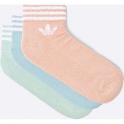 Adidas Originals - Skarpetki (3-pack). Szare skarpety damskie adidas Originals, z bawełny. W wyprzedaży za 49.90 zł.
