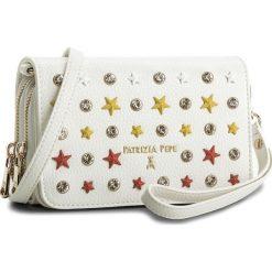 Torebka PATRIZIA PEPE - 2V7214/A3CR-XS09 Stars White. Białe torebki do ręki damskie Patrizia Pepe, ze skóry ekologicznej. W wyprzedaży za 399.00 zł.
