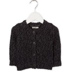 Kardigan w kolorze czarno-granatowym. Swetry dla chłopców marki Reserved. W wyprzedaży za 97.95 zł.
