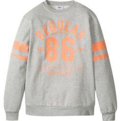 """Bluza z nadrukiem w stylu """"college"""" bonprix jasnoszary melanż z nadrukiem. Bluzy dla chłopców marki Pulp. Za 21.99 zł."""