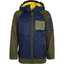 DC Shoes TROOP YOUTH Kurtka zimowa insignia blue. Kurtki i płaszcze dla chłopców DC Shoes, na zimę, z materiału. W wyprzedaży za 471.20 zł.