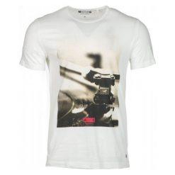 Mustang T-Shirt Męski Photoprint Xl Kremowy. Białe t-shirty męskie Mustang, z nadrukiem, z bawełny. Za 129.00 zł.