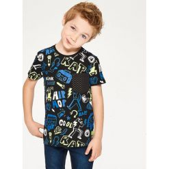 T-shirt z kieszonką - Czarny. Czarne t-shirty dla chłopców Reserved. Za 29.99 zł.