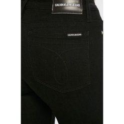 Calvin Klein Jeans - Jeansy CKJ 001. Czarne jeansy damskie Calvin Klein Jeans. Za 449.90 zł.