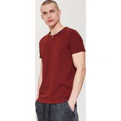 Gładki t-shirt - Bordowy. Czerwone t-shirty damskie House. Za 35.99 zł.