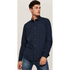 Koszula w mikrowzór - Granatowy. Niebieskie koszule męskie House. Za 79.99 zł.