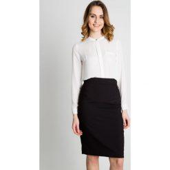 Czarna spódnica do kolan BIALCON. Czarne spódnice damskie BIALCON, ze splotem, klasyczne. Za 149.00 zł.