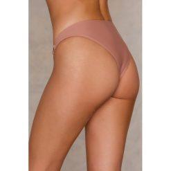 NA-KD Swimwear Dół bikini z metalowymi kółkami - Pink. Różowe bikini damskie NA-KD Swimwear. Za 19.95 zł.