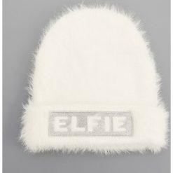 Czapka - Biały. Białe czapki i kapelusze damskie Reserved. Za 49.99 zł.