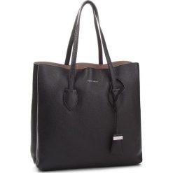Torebka COCCINELLE - CH5 Celene E1 CH5 11 01 01 Noir/Taupe 778. Czarne torebki do ręki damskie Coccinelle, ze skóry. W wyprzedaży za 979.00 zł.