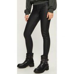 Spodnie skinny - Czarny. Czarne spodnie materiałowe damskie Sinsay. Za 69.99 zł.