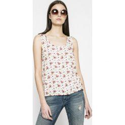 Calvin Klein Jeans - Top. Szare topy damskie Calvin Klein Jeans, z jeansu, z okrągłym kołnierzem, bez rękawów. W wyprzedaży za 199.90 zł.