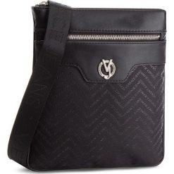 Saszetka VERSACE JEANS - E1YSBB20-70766  899. Czarne saszetki męskie Versace Jeans, z jeansu, młodzieżowe. Za 439.00 zł.