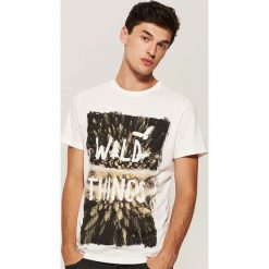 T-shirt z nadrukiem - Kremowy. Białe t-shirty męskie House, z nadrukiem. Za 39.99 zł.