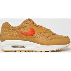 Nike Sportswear - Buty Nike Air Mac 1 Premium. Szare obuwie sportowe damskie Nike Sportswear, z gumy. W wyprzedaży za 499.90 zł.