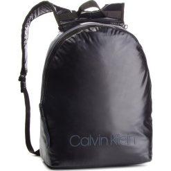 Plecak CALVIN KLEIN - Switch Reversible Ba K50K503871 910. Czarne plecaki damskie Calvin Klein, z materiału, sportowe. Za 599.00 zł.