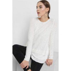 Sweter z cekinami. Brązowe swetry damskie Orsay, z dzianiny, z koszulowym kołnierzykiem. Za 119.99 zł.