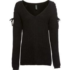 Sweter z wycięciami bonprix czarny. Swetry damskie marki KALENJI. Za 99.99 zł.