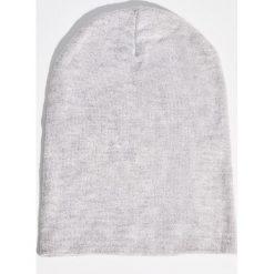 Czapka - Jasny szar. Szare czapki i kapelusze damskie Sinsay. Za 14.99 zł.