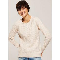 Sweter z warkoczami - Różowy. Czerwone swetry damskie House. Za 89.99 zł.