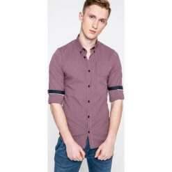 Guess Jeans - Koszula. Różowe koszule męskie Guess Jeans, w kratkę, z bawełny, button down, z długim rękawem. W wyprzedaży za 239.90 zł.
